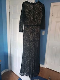 The skirt and long dresses with sleeves Markham, L6G 0C7