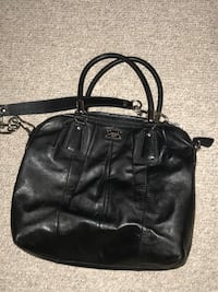 Black classic coach purse  Brampton, L6T 1R5