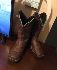 Pair of brown leather cowboy boots Mission, 78572