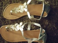 Very Pretty Womens Sandals Size 9 Only Worn Once