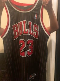 Michael Jordan authentic Chicago bulls jersey, in mint condition. This is a collectible jersey. Washington, 20010