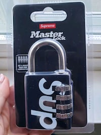 BRAND NEW supreme lock. comes with bag and sticker Richmond
