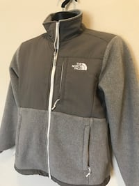 North face jacket new. Small Spring, 77379