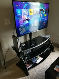 Used Moving 7 19 Tv With Mount On Entertainment Center For