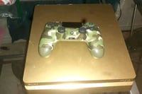 PS4 Gold Slim  Whitby, L1P 0A6