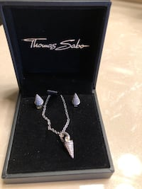 Matching set - Earings and necklace. Never Worn brand new! Mississauga