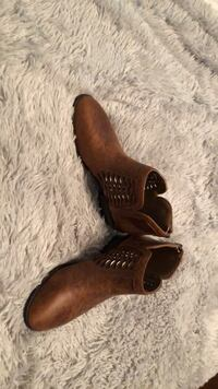 Pair of brown leather boots Iron Station, 28080