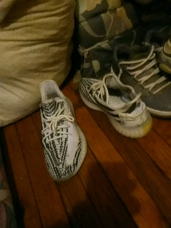 8f101a90d Used pair of zebra Adidas Yeezy Boost 350 V2 for sale in Uniondale - letgo