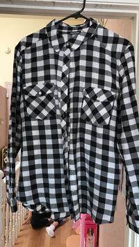 black and white checked button up sports shirt Moreno Valley, 92557