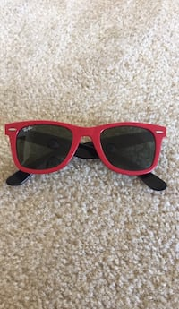 Original red wayferer unisex sunglasses  42 km