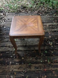 Brown wooden side table Tallahassee, 32304