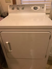 White front load clothes dryer Springfield, 65802