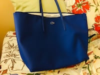 Lacoste Medium Zip Tote Bag Toronto, M2R 3P4