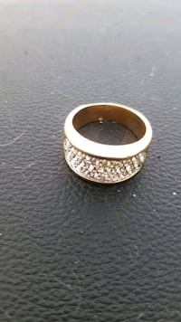 Size 8 gold plated cubix stone ring