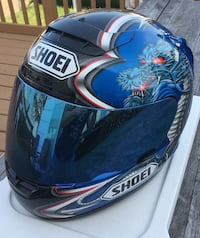 Shoei  double dragon Helmet with blue mirrored wind screen and fog protector  New York, 10312