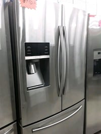 Samsung French doors refrigerator in excellent condition