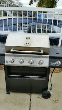 4 burner grill works perfectly