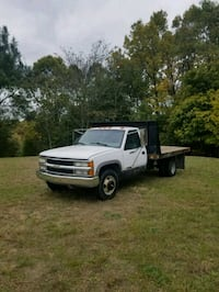 2000 Chevy 3500 12ft flatbed Dually Muskegon, 49442