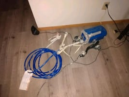 Graco electric paint sprayer with hose and trigger