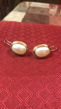 14k Mabe pearl earrings with claps.  They are hard to find. They are big not little . San Antonio, 78245