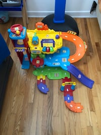 toddler's assorted color plastic toys Montréal, H8N 1K7