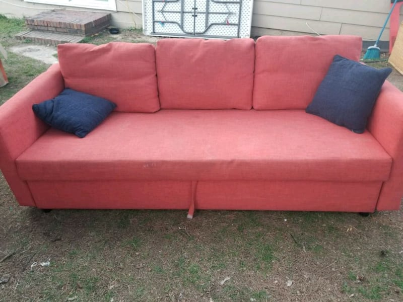 Sofa 6cff5562-32be-46da-9484-073538428590
