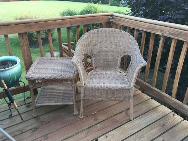 Pier One Wicker Chair And Table