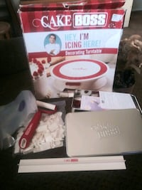 white and pink Easy Bake Ultimate Oven box Bakersfield, 93304