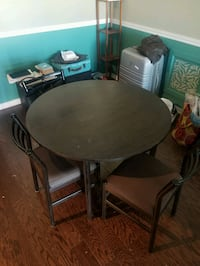 Dining table with 4 seating.  Toronto, M6S 5B3