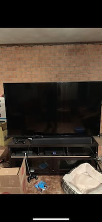 "Vizio 70"" smart tv Hyattsville, 20782"