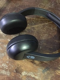 Black and gray uproar witless skull candy headphones  Kitchener, N2G 2E3