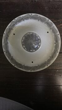 round white and gray decorative plate