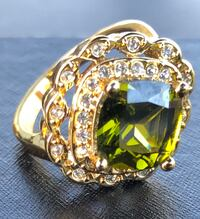 Beautiful emerald cubic zirconia bling ring Nanaimo, V9T 2N6
