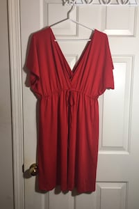 Women's size L/XL red dress North Vancouver, V7L 4T1