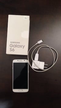 White samsunSamsung galaxy s6 with box and charger