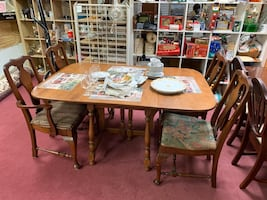 Nice Looking & Functional Drop Leaf Table Set - REDUCED