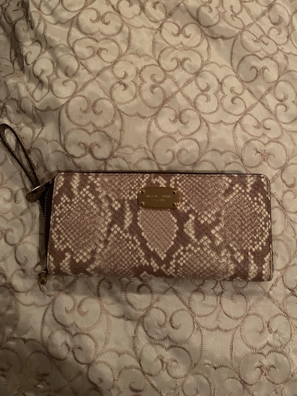 923e446898102a Used Michael Kors brown snakeskin wallet/wristlet for sale in Albertson -  letgo