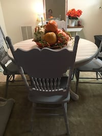 Antique Oak table & 4 chairs Baltimore, 21209