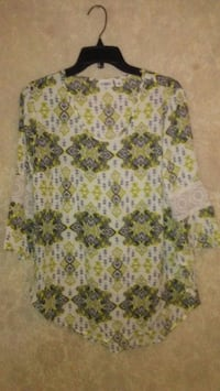 Black,yellow,and white dressy shirt Columbus, 31904