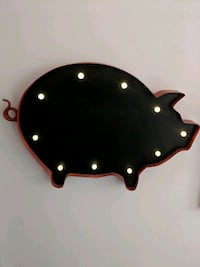 Metal Pig decor  Waterloo, N2J 3G4