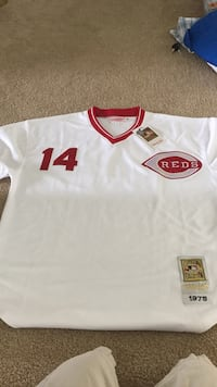 Reds jersey don't know if it's real or not Valrico, 33596