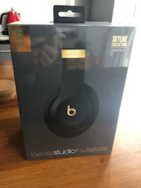 Beats Studio 3 wireless - black and gold skyline collection