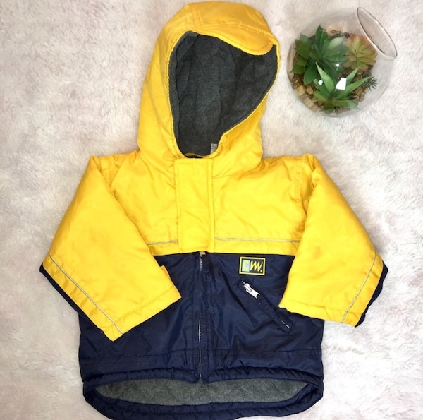 91f449f60 Carters 18 mos Toddler Hood Winter Jacket - 18 months usagé à vendre ...