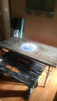 Rustic table 2 bench