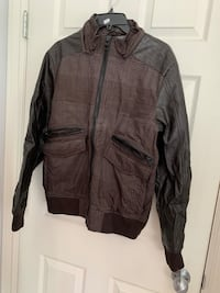 Men's guess bomber jacket Vancouver, V5P 3N3