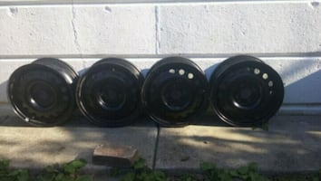 Set the 4 steel rims for Ford Fiesta and other.