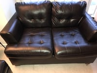 Used leather sofa  Springfield, 22150