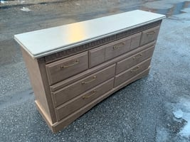 BEAUTIFUL DRESSER W/ GOLD HANDLES - GREAT COND - FREE DELIVERY