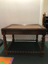 Table  Newmarket, L3Y 2H4