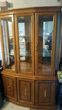 OAK CHINA CABINET  Canmore, T1W 2G1